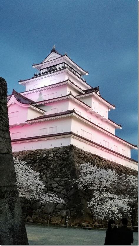 鶴ヶ城のライトアップ画像